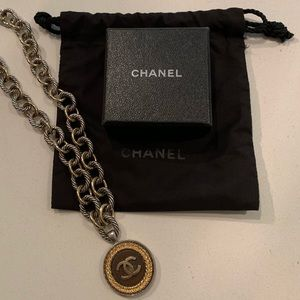 Jewelry - Vintage Chanel necklace. With box and dust bag.